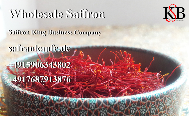 Collect saffron from the farm